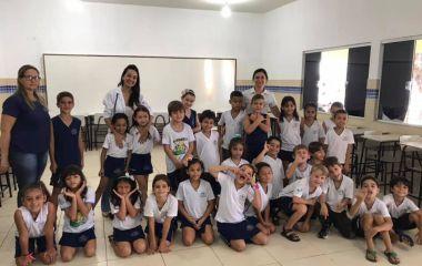 Na tarde de ontem, os alunos receberam a visita da Dr. Flávia Bonini, pediatra, mãe e parceira do Colégio JMJ, para aprender um pouco mais sobre o Coronavírus e as formas de prevenção